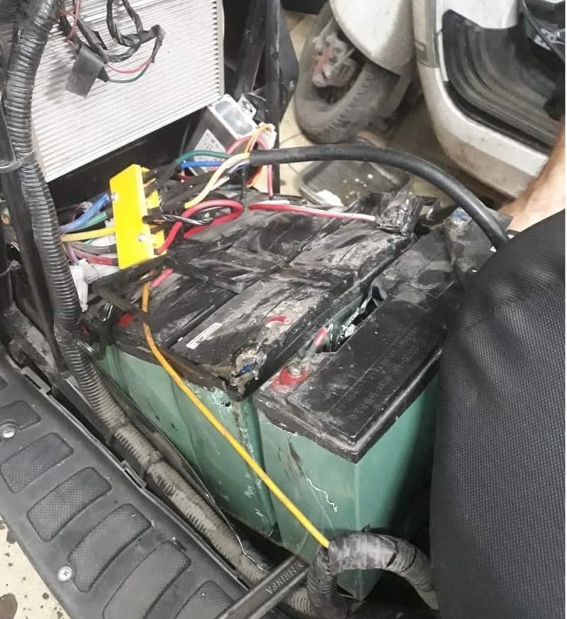 Ắc quy xe máy điện bị phồng