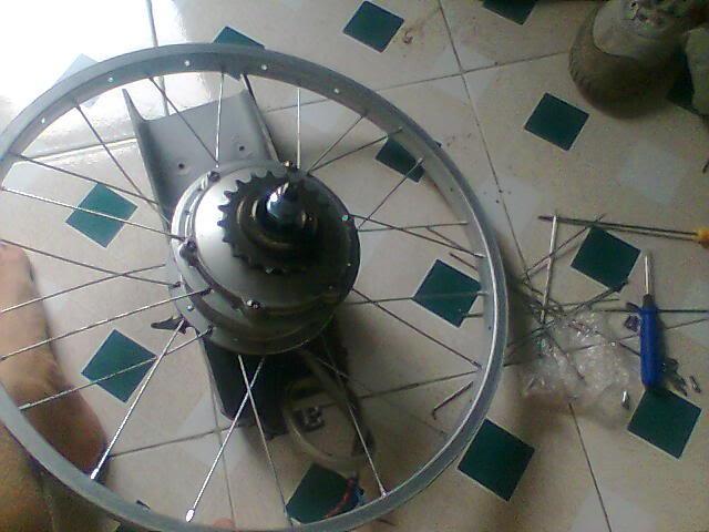 Xe đạp điện bị kêu ở bánh sau do Vành bị đảo
