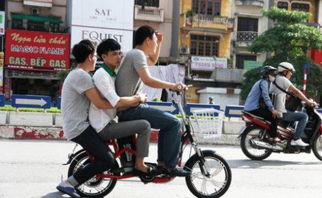 Ắc quy xe đạp điện bị nóng do chở quá tải