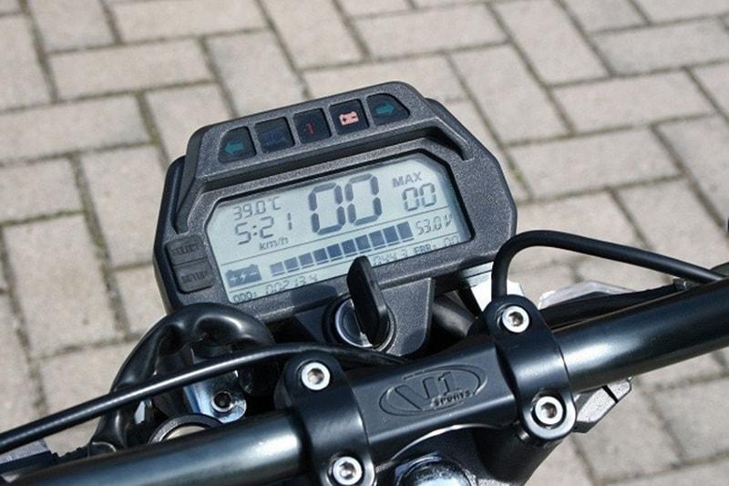Đồng hồ báo pin xe máy điện zoomer