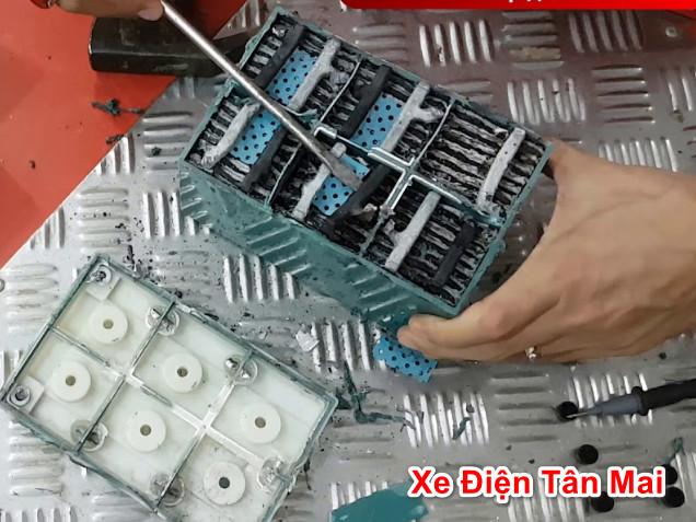 Cấu tạo bình ắc quy xe đạp điện gồm 6 ngăn